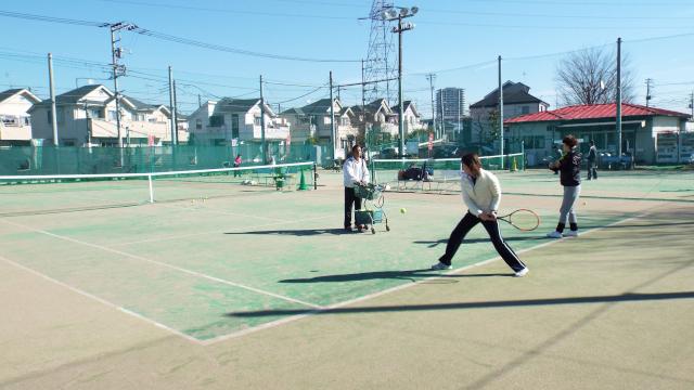 サイド・バックスペースも十分取れたテニスコート